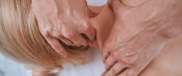 Cervicalgia: rimedi diversi a seconda della causa