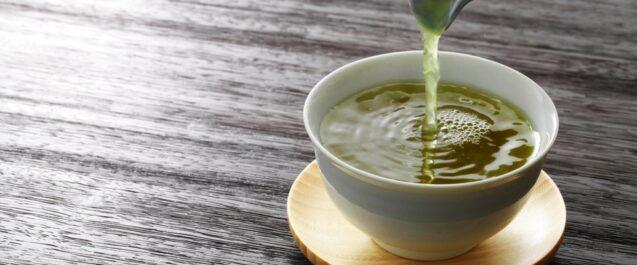 Tè verde, molti benefici ma attenzione alla caffeina
